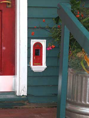 Urban fairies locations sweetwaters for Fairy doors to make